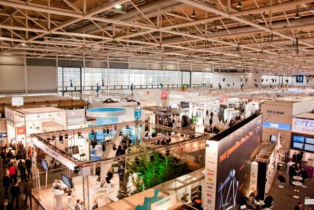 CeBIT Halle 13. Auch in dieser wurden Gewinnspiele veranstaltet.