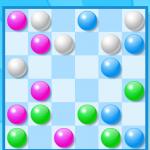 Man muss versuchen, die Kugeln so zu bewegen, dass sie eine Reihe von mindestens drei gleichfarbigen Murmeln ergeben. Dabei kann man die Murmeln vertikal, horizontal oder diagonal bewegen.