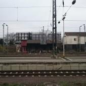 Bahnhof, bewolkt