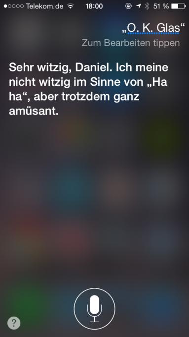 Siri macht sich über Googles Datenbrille lustig.